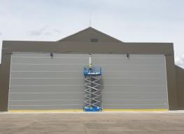 Hangar na terenie Lotniska Warszawa-Babice